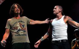 Chester Bennington của Linkin Park tự tử vào đúng sinh nhật của người bạn vừa mất 2 tháng trước
