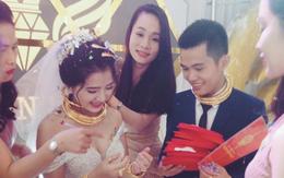 """Chú rể trong đám cưới siêu khủng ở Nghệ An: """"Chuyện trao vàng là tục lệ ở quê, chúng tôi không khoe khoang"""""""