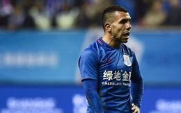 Bị chê béo, Tevez đáp trả bằng cách chê bóng đá Trung Quốc không khá nổi
