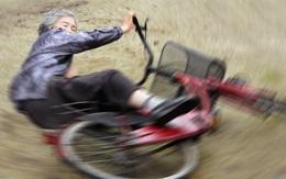 Cười té ghế với bộ ảnh hài của cụ bà 90 tuổi lầy lội nhất nước Nhật Bản