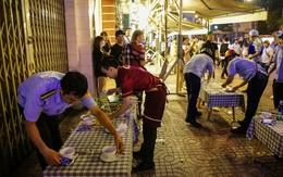 """Hàng trăm khách nhậu ở Sài Gòn ngơ ngác khi lãnh đạo quận 1 đến """"đòi"""" lại vỉa hè cho người đi bộ"""