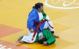 Nữ võ sĩ nặng 100 kg giành HC vàng cho Việt Nam