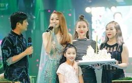 Minh Hằng hạnh phúc đón sinh nhật muộn cùng dàn sao Việt và người hâm mộ
