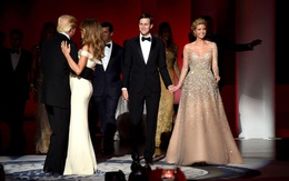 """Tưởng bà Trump đã """"xuất sắc"""" lắm, ai ngờ con gái ông Trump còn mặc đẹp hơn cả mẹ mình"""