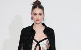"""Gigi và Kendall hãy coi chừng, một khi đã lên đồ thì nhan sắc Kaia Gerber có thể """"chặt chém"""" bất cứ chân dài nào"""
