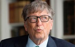 Tỷ phú Bill Gates lần đầu tiên sử dụng một chiếc smartphone Android, vẫn nói không với iPhone