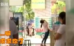 Người phụ nữ 33 tuổi khóc lóc làm loạn cửa hàng điện thoại vì mẹ không đồng ý cho mua iPhone 8