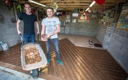 Dùng 33.000 đồng xu để lát sàn garage ô tô, kết quả đem lại thật ấn tượng