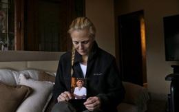 Nhiều người con bật khóc khi cha mẹ bị cưỡng hiếp tại trại dưỡng lão