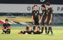 Cầu thủ U15 Thái Lan khóc nức nở nhìn U15 Việt Nam vô địch Đông Nam Á