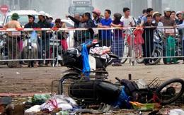 Vật lạ phát nổ ở sân vận động, 4 học sinh bị thương