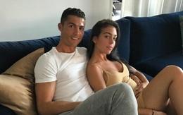 Ronaldo tình cảm ôm eo Georgina trong lần đầu khoe bạn gái trên Instagram