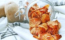 Hô biến khoai tây thành snack chua cay, ngon giòn chẳng thua kém mua ngoài hàng