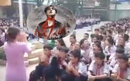 """Cô giáo """"chất"""" nhất Facebook hôm nay: Bắt nhịp cho hàng trăm học sinh hát """"Lạc Trôi"""" Sơn Tùng M-TP"""