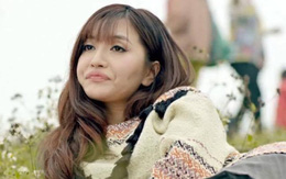 """Sau Mai Ngô, Bích Phương trở thành """"nữ hoàng ảnh chế"""" nhờ cái bĩu môi thần thánh"""