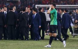 """Thủ môn Văn Lâm: """"Bố mẹ tôi căng thẳng tột độ, không dám xem trận đấu"""""""
