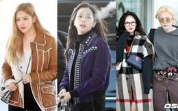 Dàn sao gây sốt khi đổ bộ sân bay Hàn: 2 mỹ nhân Black Pink đẹp xuất thần, Hyuna gặp sự cố lộ hàng bên E'Dawn