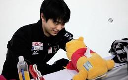 """Yuzuru Hanyu sẽ làm gì với """"cơn mưa gấu Pooh"""" khán giả ném xuống sân?"""
