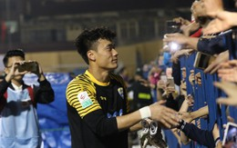 HLV Park Hang Seo xuống sân chúc mừng, Tiến Dũng sẽ bắt chính ở đội tuyển Việt Nam?