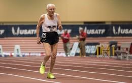 Cụ ông 100 tuổi xác lập kỷ lục trên đường chạy 60 mét