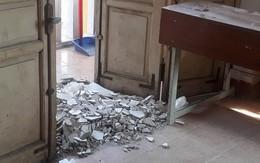 Vụ 3 học sinh bị mảng trần lớp học rơi vào đầu ở Hà Nội: Hầu hết các phòng đều có nguy cơ tương tự
