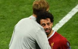 Xót xa cảnh Salah gục khóc trên vai HLV Klopp, không đá trọn chung kết Champions League vì chấn thương