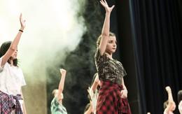 Lễ bế giảng được hô biến thành concert tốt nghiệp của học sinh trường Quốc tế Singapore