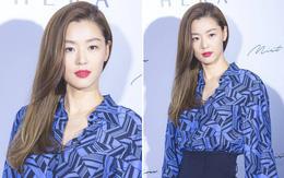 """""""Mợ chảnh"""" Jeon Ji Hyun xinh đẹp ngất ngây với màu tóc mới, diện áo gần 30 triệu"""