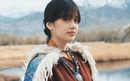 Chẳng cần đẹp xuất sắc, cô nàng travel blogger đến từ Thái vẫn hút fan vì vẻ ngoài rạng rỡ, hay cười
