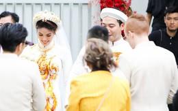 Lan Khuê và John Tuấn Nguyễn rạng rỡ mặc áo dài trong lễ ăn hỏi sáng nay