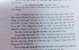 Vụ bé 7 tuổi bị dí sắt nung vào mặt ở Kiên Giang: Tòa triệu tập nhưng người cha vắng mặt