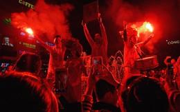 """Nhìn lại những khoảnh khắc hạnh phúc không thể quên của người hâm mộ trong đêm U23 Việt Nam tạo """"địa chấn"""""""