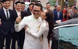 Bà xã kém 19 tuổi tình tứ hôn NSND Trung Hiếu trong lễ rước dâu tổ chức ở Sơn La