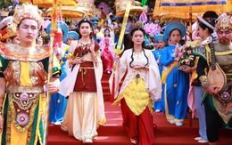 """Hàng vạn người đổ về Đà Nẵng dự Lễ hội Quán Thế âm """"độc nhất vô nhị"""" tại Việt Nam"""
