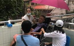 """Cát Phượng kể câu chuyện xót xa sau khi vào viện thăm nghệ sĩ Lê Bình: """"Miệng anh cười nhưng nước mắt anh chảy"""""""