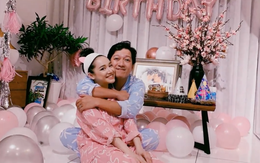 """Nhã Phương đăng clip mừng sinh nhật Trường Giang ngay khi vừa bước sang ngày mới, gửi lời nhắn nhủ đầy ngọt ngào: """"Thế giới ở đây đã có em lo"""""""