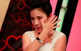 """Cát Tường bật khóc: Tôi không bỏ """"Bạn muốn hẹn hò"""", chương trình mời người khác cắt hợp đồng của tôi"""