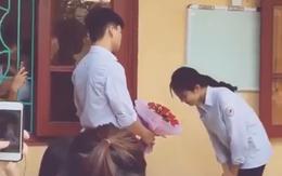 Nam sinh tỏ tình công khai với crush ở trường nhưng hành động từ chối đầy tinh tế của cô gái mới gây sốt MXH