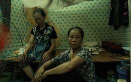 """Dân xóm nghèo oằn mình trong những căn phòng trọ lợp mái tôn gần 50 độ C giữa lòng Hà Nội: Cái nóng hầm hập như muốn """"luộc chín"""" người"""