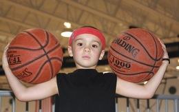 Xem siêu sao bóng rổ… 5 tuổi trổ tài