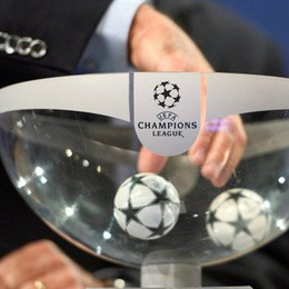 Chelsea gặp Barca, Real đối đầu PSG ở knock-out Champions League