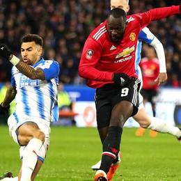 Lukaku lập cú đúp đưa Man Utd vào tứ kết FA Cup