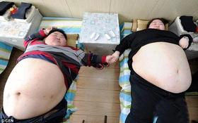 """Cặp vợ chồng béo tới nỗi chưa bao giờ... """"gần gũi nhau"""""""