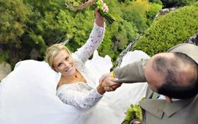 Những bộ ảnh cưới điên rồ và mạo hiểm nhất thế giới