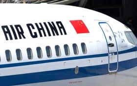 Trung Quốc: Cất cánh được 1 tiếng, máy bay phải quay đầu vì hành khách thượng cẳng chân hạ cẳng tay