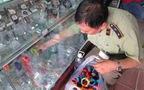 Hàng giả đầy chợ Bến Thành