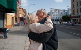 Chùm ảnh: Có những mối tình đẹp hàng thập kỷ...