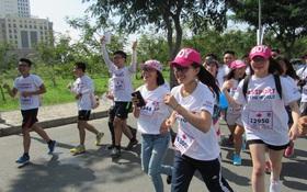 Màu áo sinh viên Mỹ rạng rỡ trên đường chạy Terry Fox
