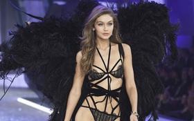 """Có là """"thần nhãn"""" bạn mới nhận ra sự cố trang phục của Gigi Hadid trên runway Victoria's Secret Show 2016"""