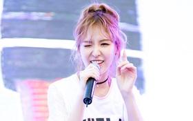Wendy (Red Velvet) xinh đẹp và thon thả bất ngờ khiến fan phát cuồng